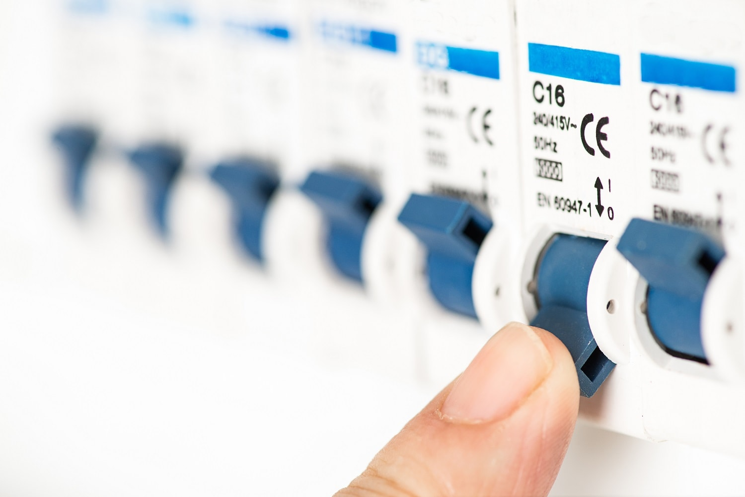 How to Choose the Right Electrician